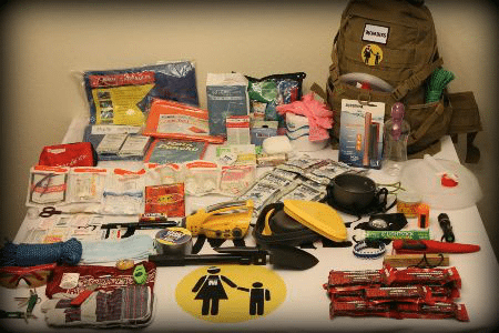 If I put together the best emergency kit ever, it would be a Mombies bag